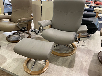 Stressless Dover Large Chair + Stool
