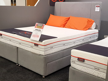 Dunlopillo Energise Kingsize Bed + Headboard